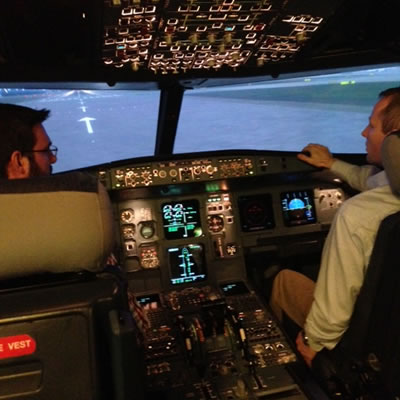 Full Motion Boeing 737 800 Flight Simulator