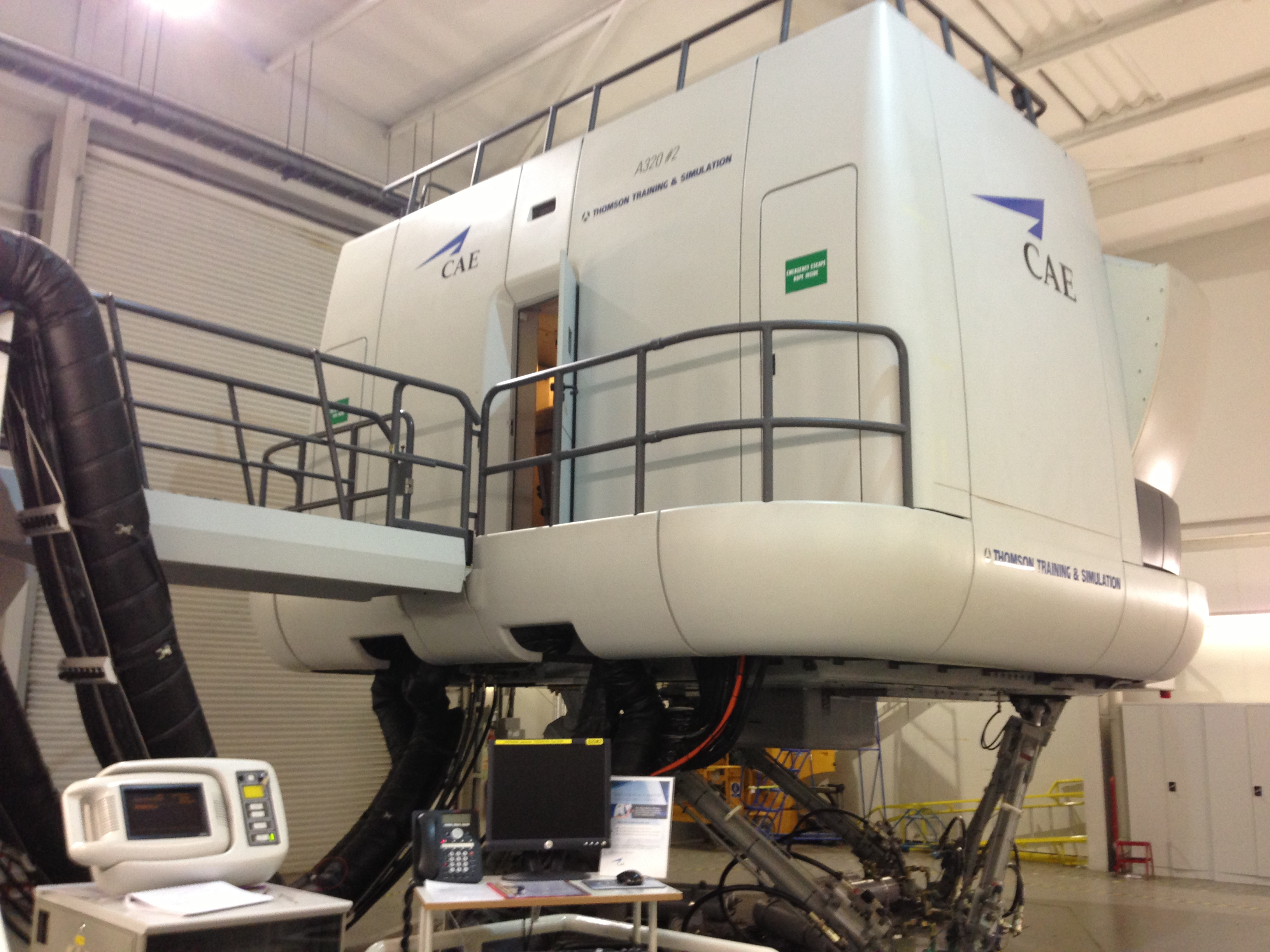 Full Motion Simulator, 737 or A320 for Groups & Corporate Events